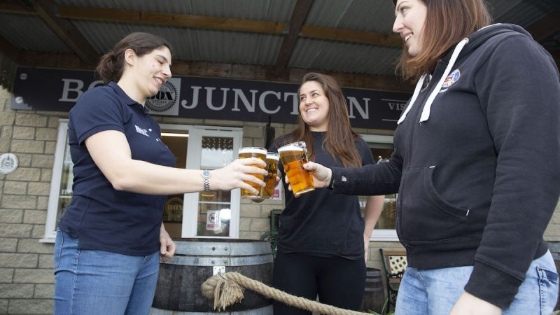 Bath Rugby Ladies celebrate 15 years with signature Piston Broke at Box Steam Brewery